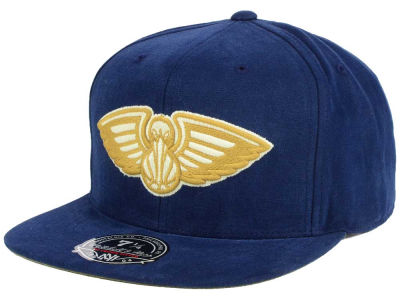 New Orleans Pelicans Mitchell and Ness NBA Sandy Off White Logo Fitted Cap