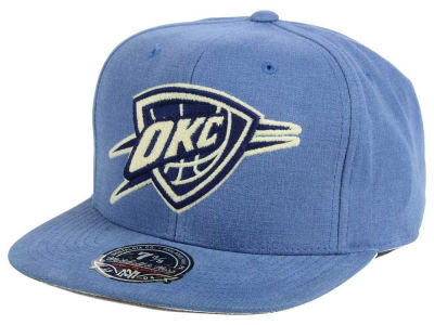 Oklahoma City Thunder Mitchell and Ness NBA Sandy Off White Logo Fitted Cap