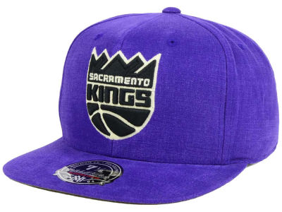 Sacramento Kings Mitchell and Ness NBA Sandy Off White Logo Fitted Cap
