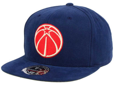 Washington Wizards Mitchell and Ness NBA Sandy Off White Logo Fitted Cap