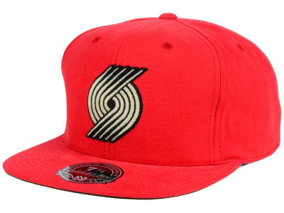 Portland Trail Blazers Mitchell and Ness NBA Sandy Off White Logo Fitted Cap