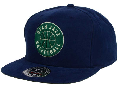 Utah Jazz Mitchell and Ness NBA Sandy Off White Logo Fitted Cap