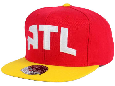 Atlanta Hawks Mitchell and Ness NBA Throwback Fitted Cap