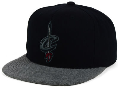 Cleveland Cavaliers Mitchell and Ness NBA Fuzz 2Tone Fitted Cap