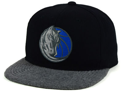 Dallas Mavericks Mitchell & Ness NBA Fuzz 2Tone Fitted Cap