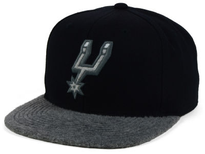 San Antonio Spurs Mitchell & Ness NBA Fuzz 2Tone Fitted Cap