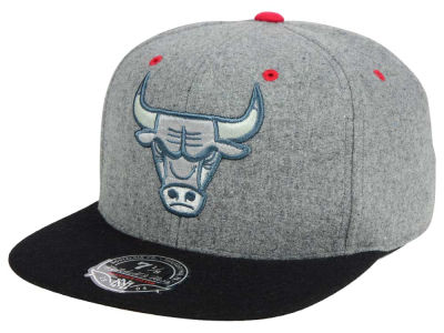 Chicago Bulls Mitchell & Ness NBA Greyton Fitted Cap
