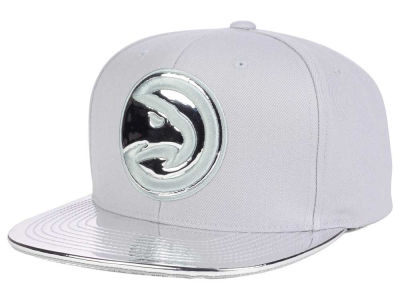 Atlanta Hawks Mitchell and Ness NBA Metallic Foil Snapback Cap