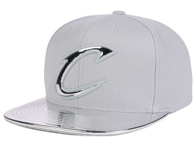 Cleveland Cavaliers Mitchell and Ness NBA Metallic Foil Snapback Cap