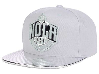 New Orleans Pelicans Mitchell and Ness NBA Metallic Foil Snapback Cap