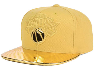 New York Knicks Mitchell and Ness NBA Metallic Foil Snapback Cap