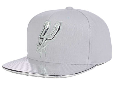 San Antonio Spurs Mitchell and Ness NBA Metallic Foil Snapback Cap