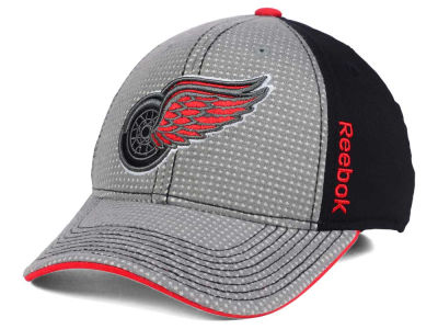 Detroit Red Wings Reebok 2016 NHL Travel and Training Flex Cap