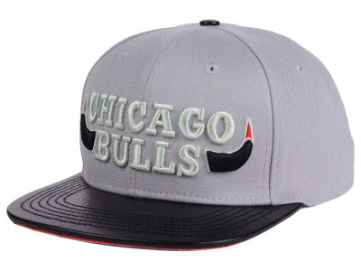 Chicago Bulls Pro Standard NBA Gray Leather Strapback Cap