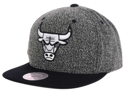 Chicago Bulls Mitchell and Ness NBA Black White Static Logo Snapback Cap