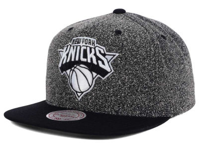 New York Knicks Mitchell and Ness NBA Black White Static Logo Snapback Cap