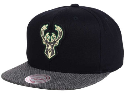 Milwaukee Bucks Mitchell & Ness NBA Team Color Cation Snapback Cap