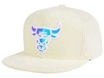 Chicago Bulls Mitchell and Ness NBA White Iridescent Snapback Cap