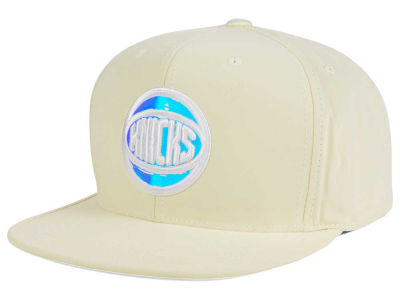 New York Knicks Mitchell and Ness NBA White Iridescent Snapback Cap