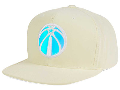 Washington Wizards Mitchell and Ness NBA White Iridescent Snapback Cap