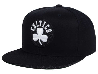 Boston Celtics Mitchell & Ness NBA Black Reflect Snapback Cap