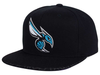 Charlotte Hornets Mitchell and Ness NBA Black Reflect Snapback Cap