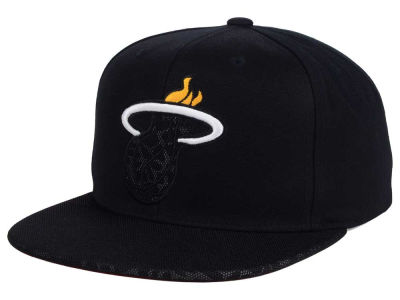 Miami Heat Mitchell and Ness NBA Black Reflect Snapback Cap