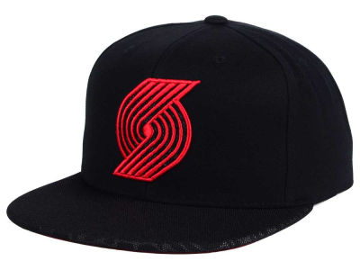 Portland Trail Blazers Mitchell and Ness NBA Black Reflect Snapback Cap