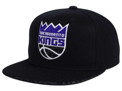Sacramento Kings Mitchell and Ness NBA Black Reflect Snapback Cap