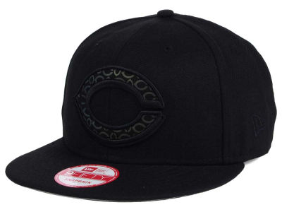 Cincinnati Reds New Era MLB XL Iridescent Logo 9FIFTY Snapback Cap