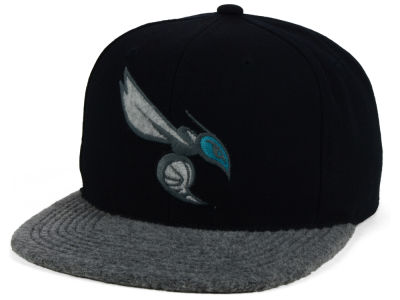 Charlotte Hornets Mitchell and Ness NBA Fuzz 2Tone Fitted Cap
