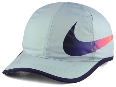 Nike Featherlight Swoosh Cap