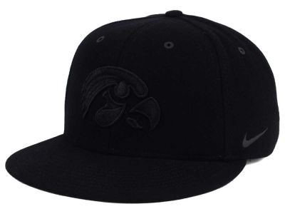 Iowa Hawkeyes Nike NCAA New Day True Snapback Cap