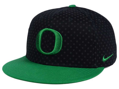 Oregon Ducks Nike NCAA Local DNA Seasonal True Snapback Cap