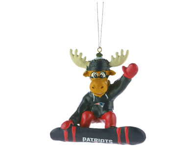 New England Patriots Snowbarding Moose Ornament