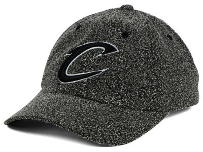 Cleveland Cavaliers Mitchell and Ness NBA Black and White Static Snapback Cap