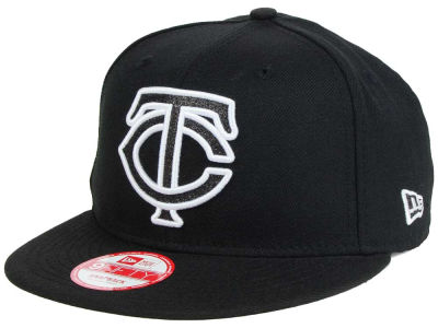 Minnesota Twins New Era MLB Black-Tallic 9FIFTY Snapback Cap