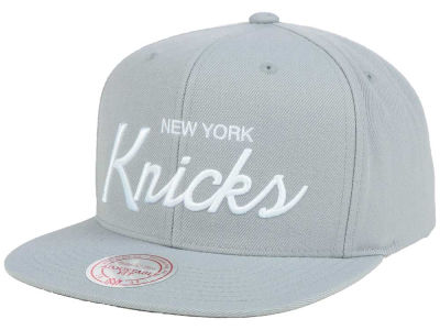 New York Knicks Mitchell and Ness NBA White Script Snapback Cap