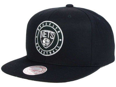 Brooklyn Nets Mitchell and Ness NBA Circle Patch Snapback Cap
