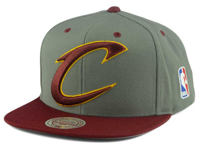 Cleveland Cavaliers Mitchell & Ness NBA Under Over Snapback Cap