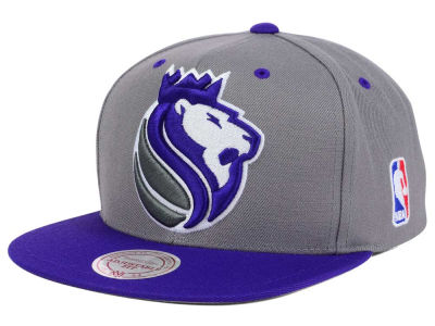 Sacramento Kings Mitchell and Ness NBA Under Over Snapback Cap