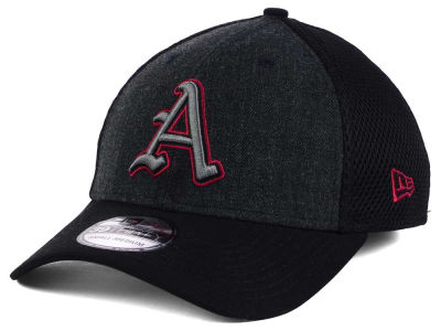 Arkansas Razorbacks New Era NCAA Heather Black Neo 39THIRTY Cap