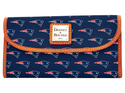 New England Patriots Dooney & Bourke Continental Clutch