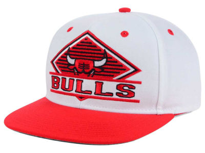 Chicago Bulls adidas NBA White Diamond Snapback Cap