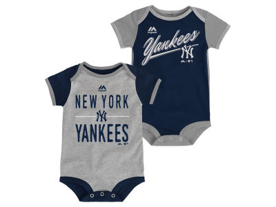 New York Yankees MLB Newborn 2 Piece Creeper Set