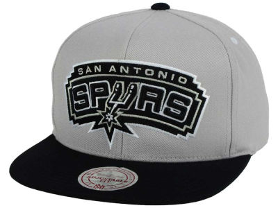 San Antonio Spurs Mitchell & Ness NBA Team Gray White Snapback Cap