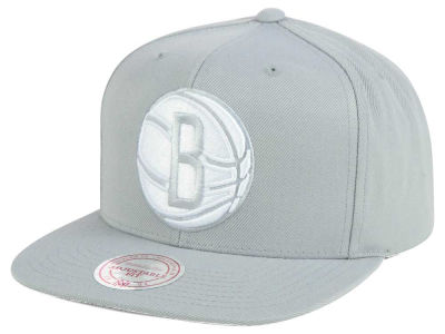 Brooklyn Nets Mitchell & Ness NBA Team Gray White Snapback Cap