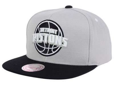 Detroit Pistons Mitchell and Ness NBA Team Gray White Snapback Cap