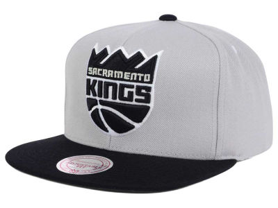 Sacramento Kings Mitchell & Ness NBA Team Gray White Snapback Cap