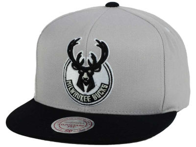 Milwaukee Bucks Mitchell and Ness NBA Team Gray White Snapback Cap